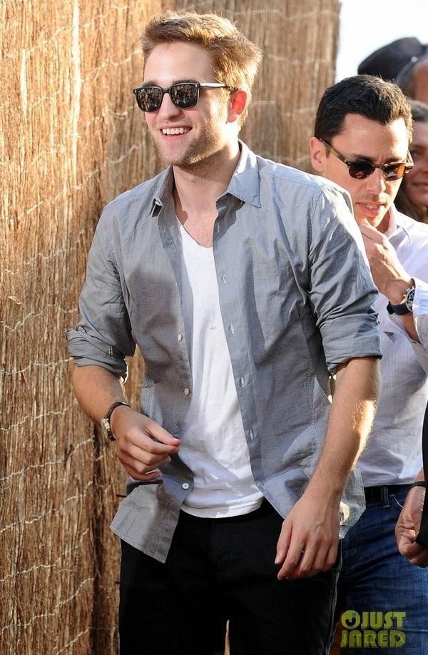 Cách phối áo phông trắng của Beckham và Adam Levine 7