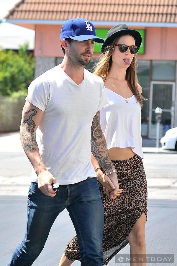 Cách phối áo phông trắng của Beckham và Adam Levine 10