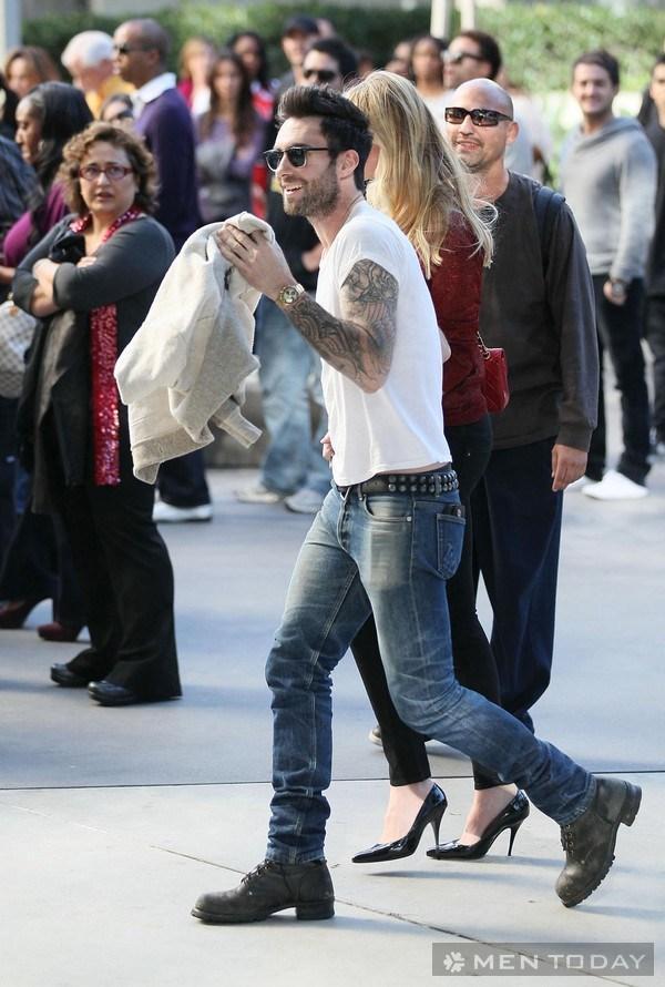 Cách phối áo phông trắng của Beckham và Adam Levine 14