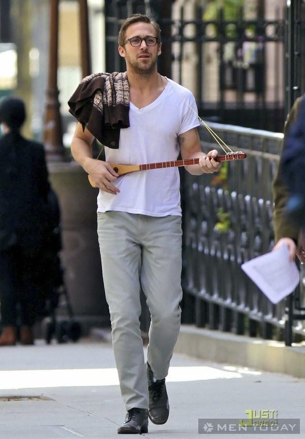 Cách phối áo phông trắng của Beckham và Adam Levine 17