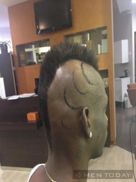 Kiểu tóc ngổ ngáo và độc đáo của Mario Balotelli