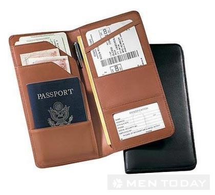 Chuẩn bị đầy đủ giấy tờ cho chuyến công tác