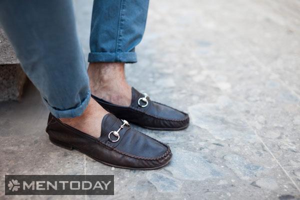 Loafers cũng rất dễ dàng kết hợp cùng trang phục khác
