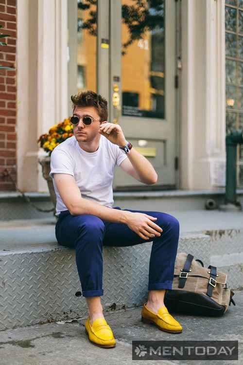 Chàng nổi bật cùng đôi loafers vàng